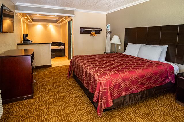 ENJOY OUR WELCOMING AND SPACIOUS GUEST ROOMS