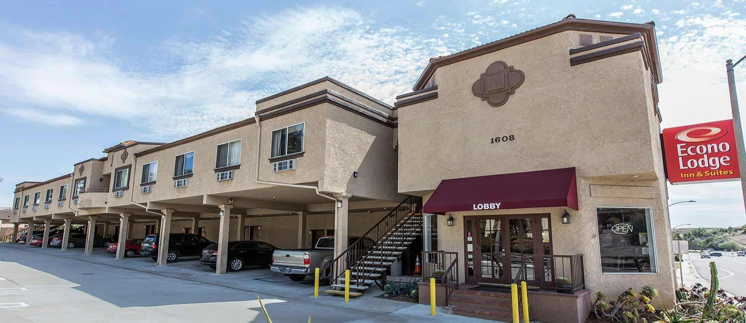 TAKE A LOOK AT THE AMENITIES, AND GUEST ROOMS  AT ECONO LODGE FALLBROOK