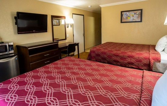 Econo Lodge Inn & Suites Fallbrook Downtown - 2 Queen Beds