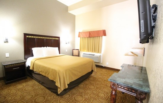 Econo Lodge Inn & Suites Fallbrook Downtown - Queen Accesible